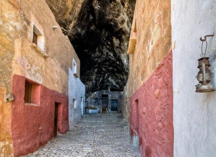grotta-mangiapane-sicilia-borgo-antico-09
