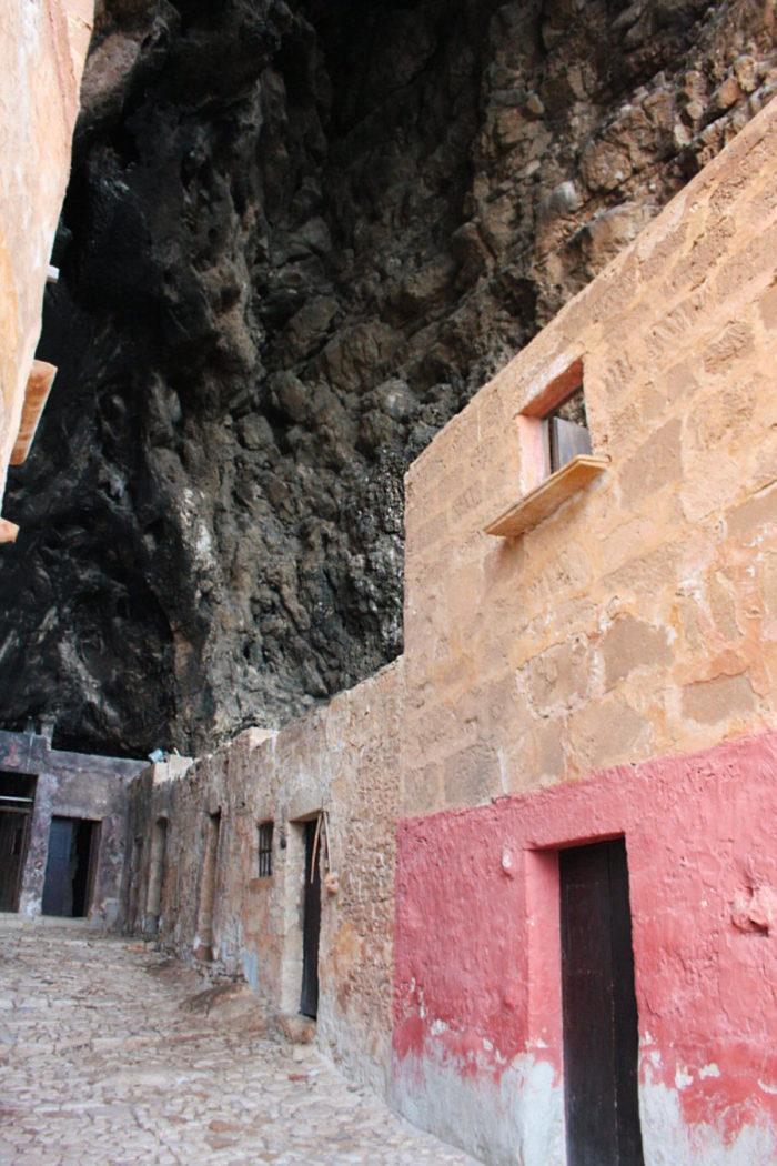 grotta-mangiapane-sicilia-borgo-antico-12