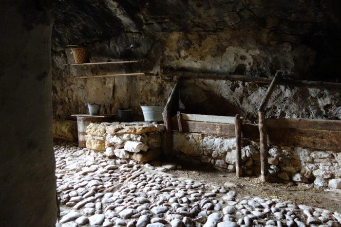 grotta-mangiapane-sicilia-borgo-antico-13