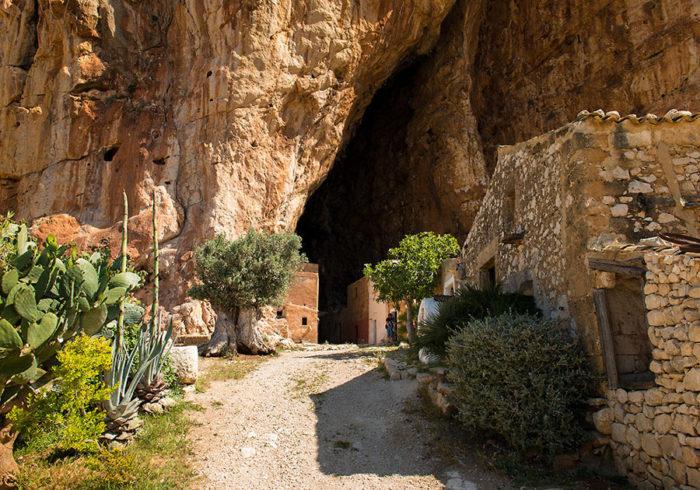 grotta-mangiapane-sicilia-borgo-antico-21