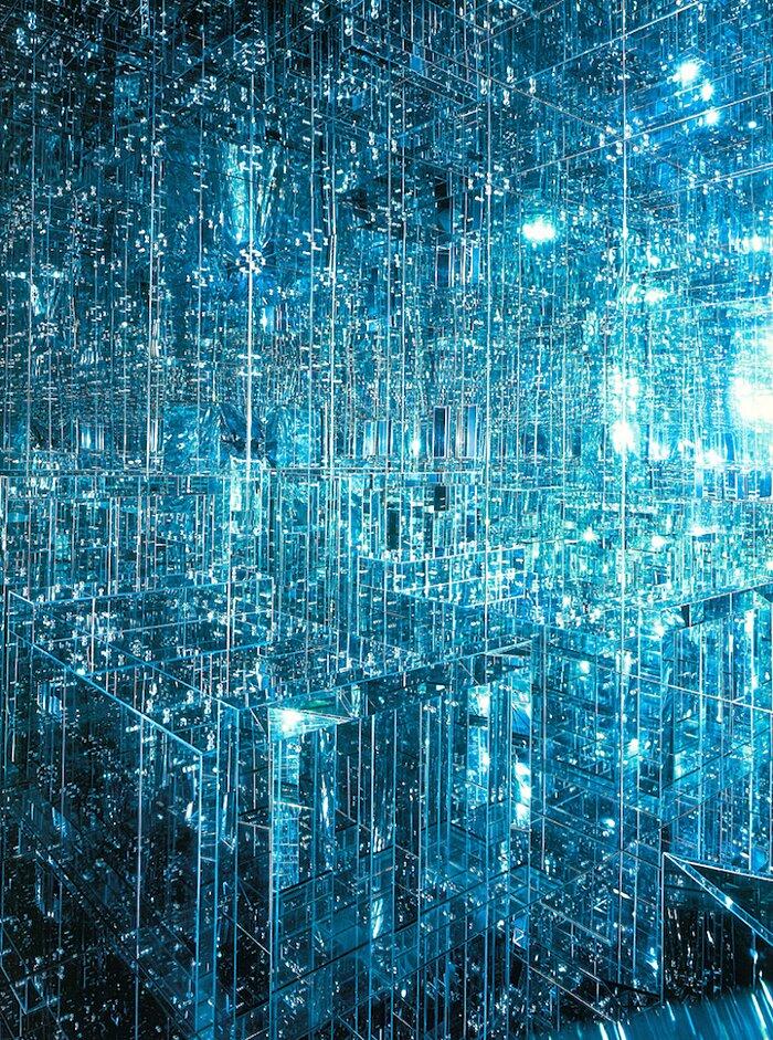 installazione-stanza-specchi-infinity-room-arte-lucas-samaras-2