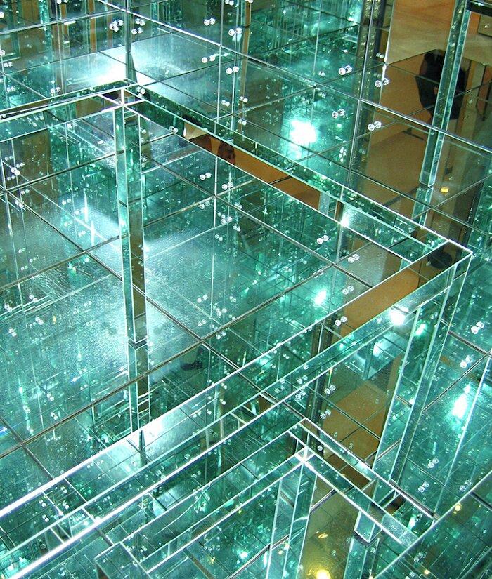 installazione-stanza-specchi-infinity-room-arte-lucas-samaras-3