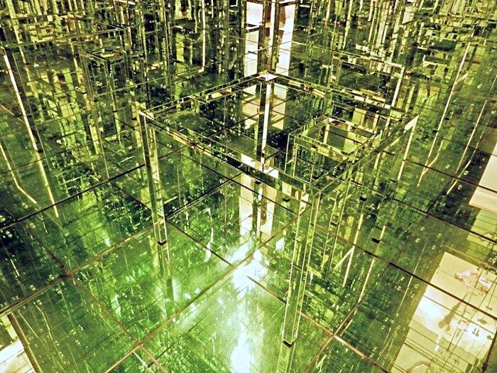 installazione-stanza-specchi-infinity-room-arte-lucas-samaras-4