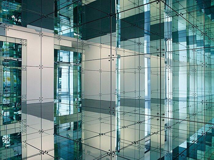 installazione-stanza-specchi-infinity-room-arte-lucas-samaras-7