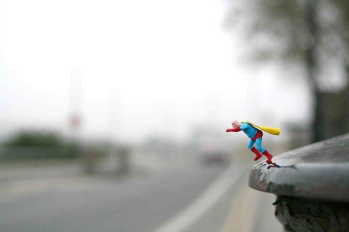 installazioni-street-art-fotografia-miniature-little-people-project-slinkachu-07