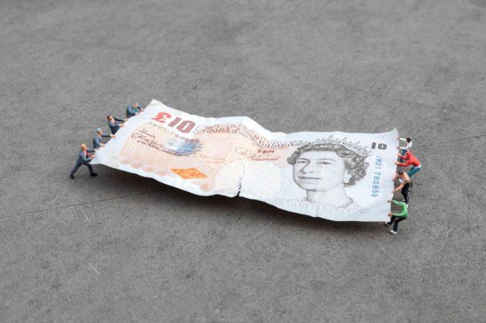 installazioni-street-art-fotografia-miniature-little-people-project-slinkachu-09