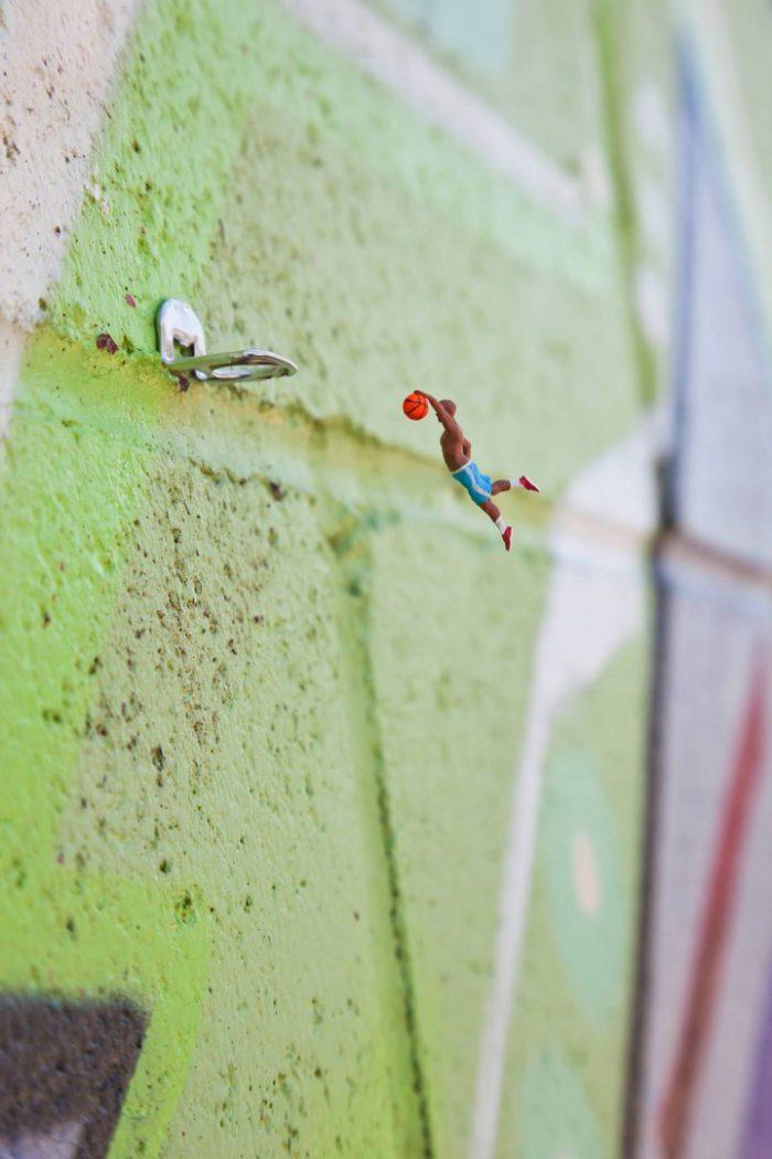 installazioni-street-art-fotografia-miniature-little-people-project-slinkachu-12