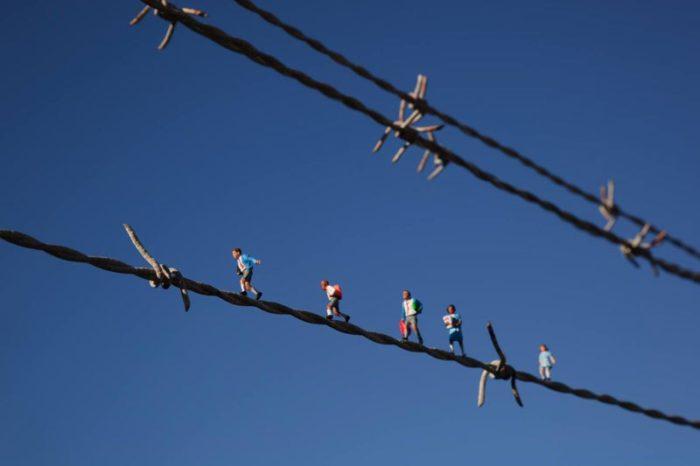installazioni-street-art-fotografia-miniature-little-people-project-slinkachu-22