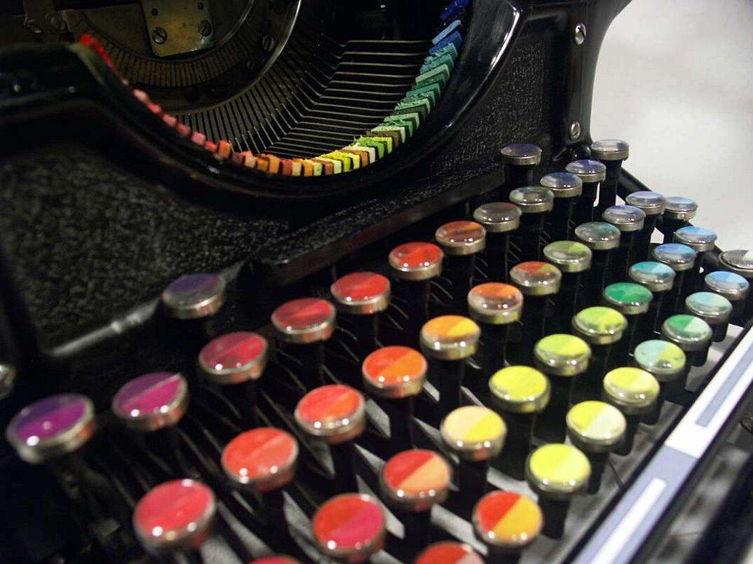 macchina-da-scrivere-vintage-colori-dipingere-chromatic-typewriter-tyree-callahan-5