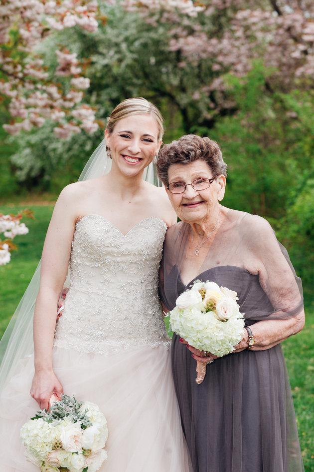 nonna-89-anni-damigella-onore-matrimonio-nipote-nana-betty-2