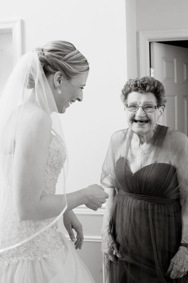 nonna-89-anni-damigella-onore-matrimonio-nipote-nana-betty-4