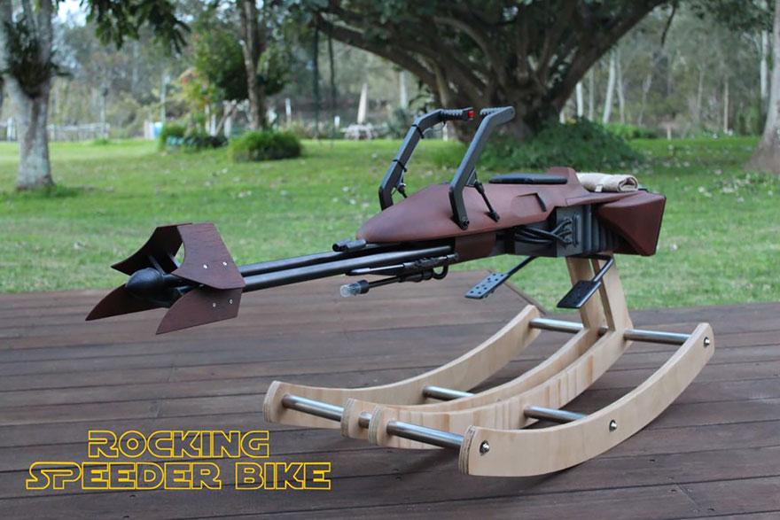 padre-costruisce-cavallo-dondolo-ispirato-speeder-bike-star-wars-1