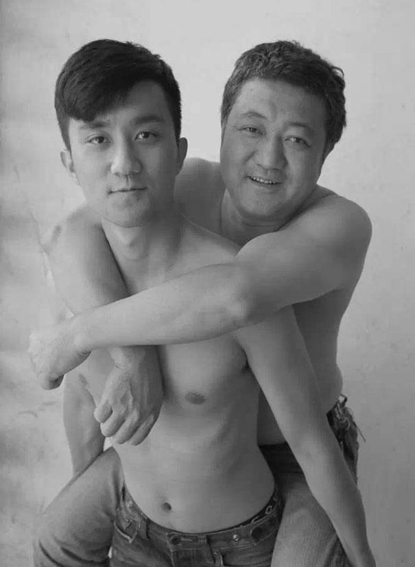 padre-figlio-trenta-anni-stessa-foto-21