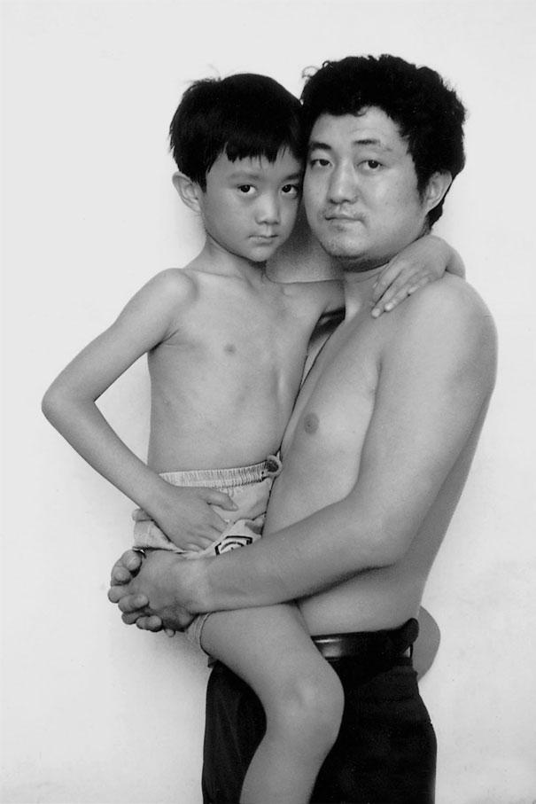padre-figlio-trenta-anni-stessa-foto-29