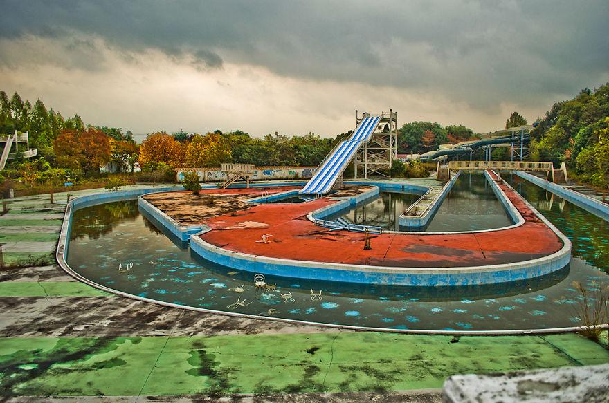 parco-giochi-abbandonato-giappone-nara-dreamland-4