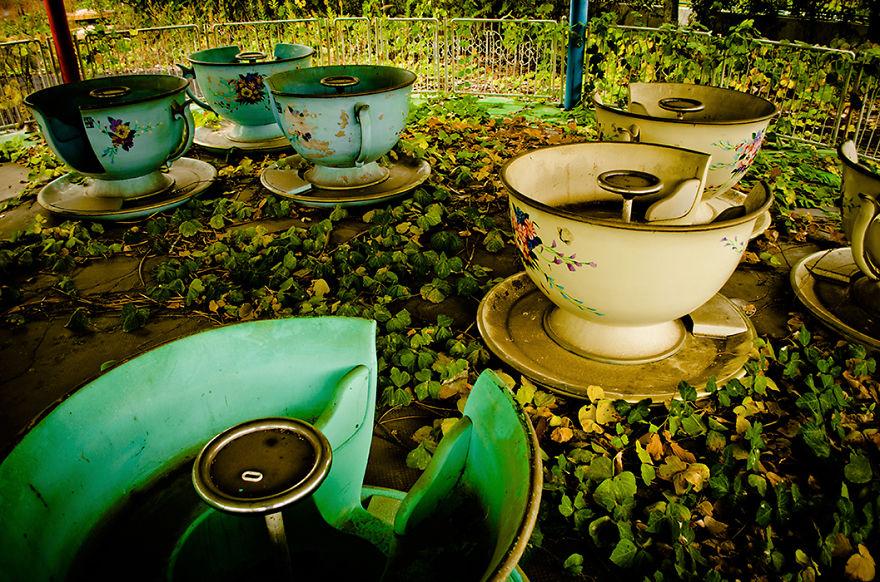 parco-giochi-abbandonato-giappone-nara-dreamland-6