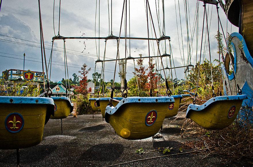 parco-giochi-abbandonato-giappone-nara-dreamland-8