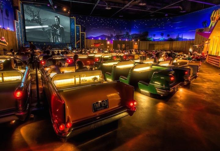 ristorante-vintage-stile-anni-50-drive-in-sci-fi-1