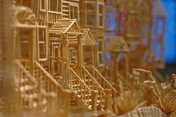 scultura-cinetica-di-stuzzicadenti-palline-pingpong-san-francisco-scott-weaver-3