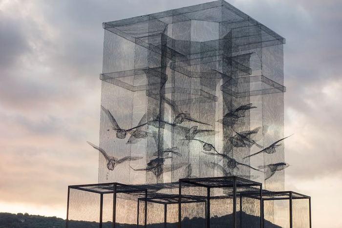 scultura-installazione-rete-filo-metallico-edoardo-tresoldi-marina-di-camerota-incipit-2