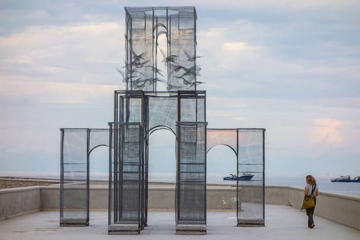 scultura-installazione-rete-filo-metallico-edoardo-tresoldi-marina-di-camerota-incipit-6