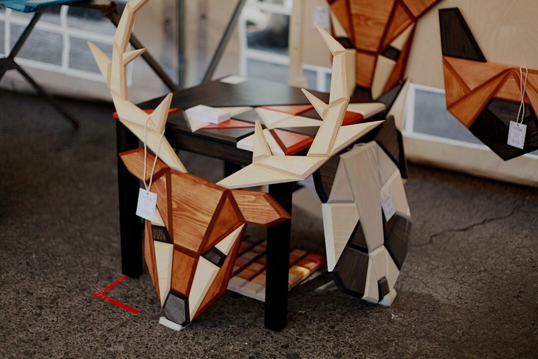 sculture-geometriche-pannelli-decorativi-legno-teste-animali-poligon-8