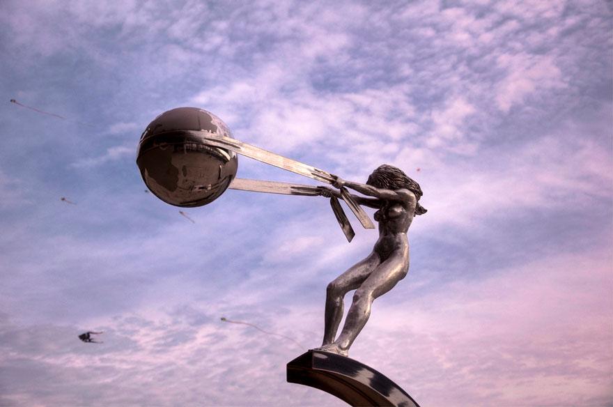 sculture-madre-natura-lorenzo-quinn-03