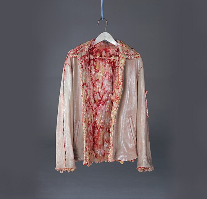 sculture-oggetti-carne-ossa-organi-interni-grasso-cao-hui2