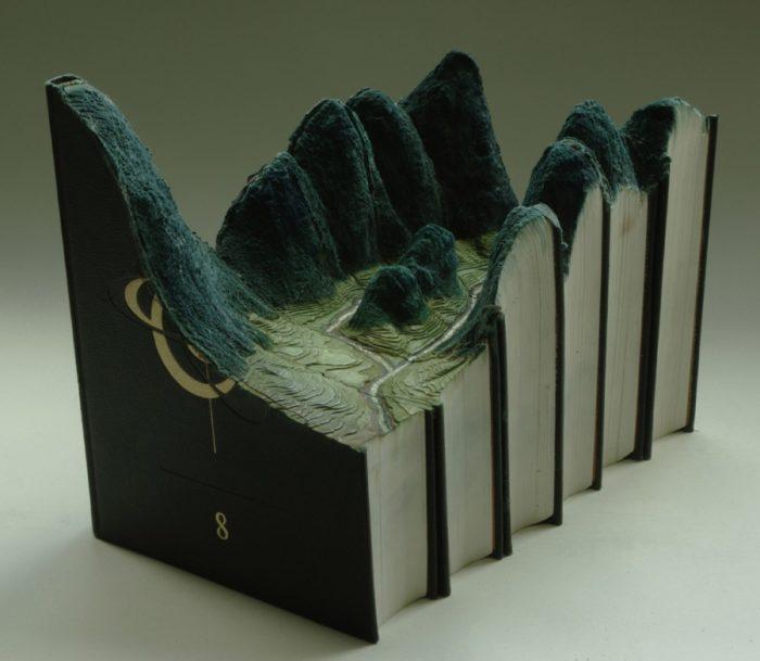 sculture-vecchi-libri-incisi-paesaggi-montagne-guy-laramee-09