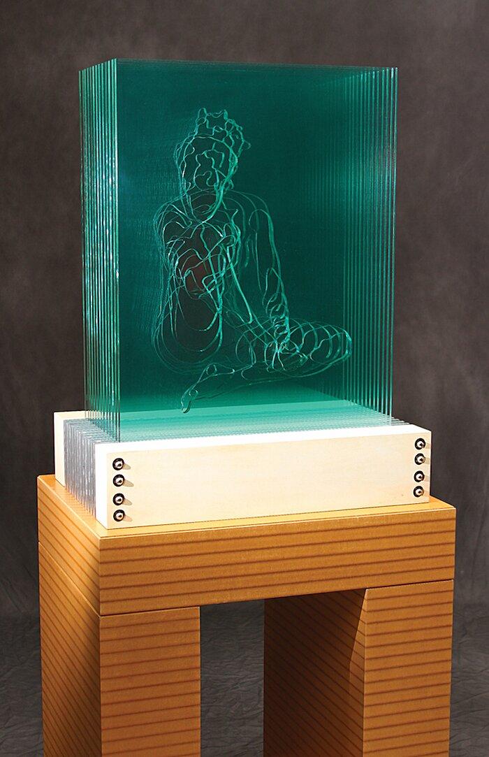 sculture-vetro-intagliato-rivelano-figure-umane-jed-malitz-03