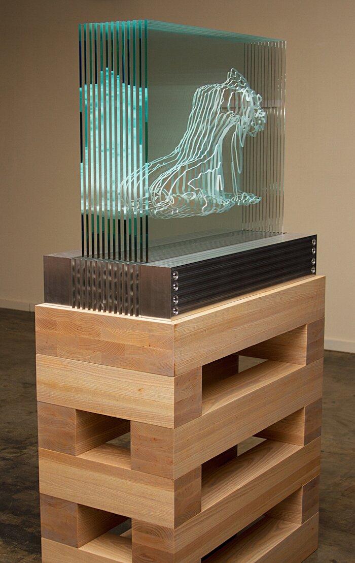 sculture-vetro-intagliato-rivelano-figure-umane-jed-malitz-05