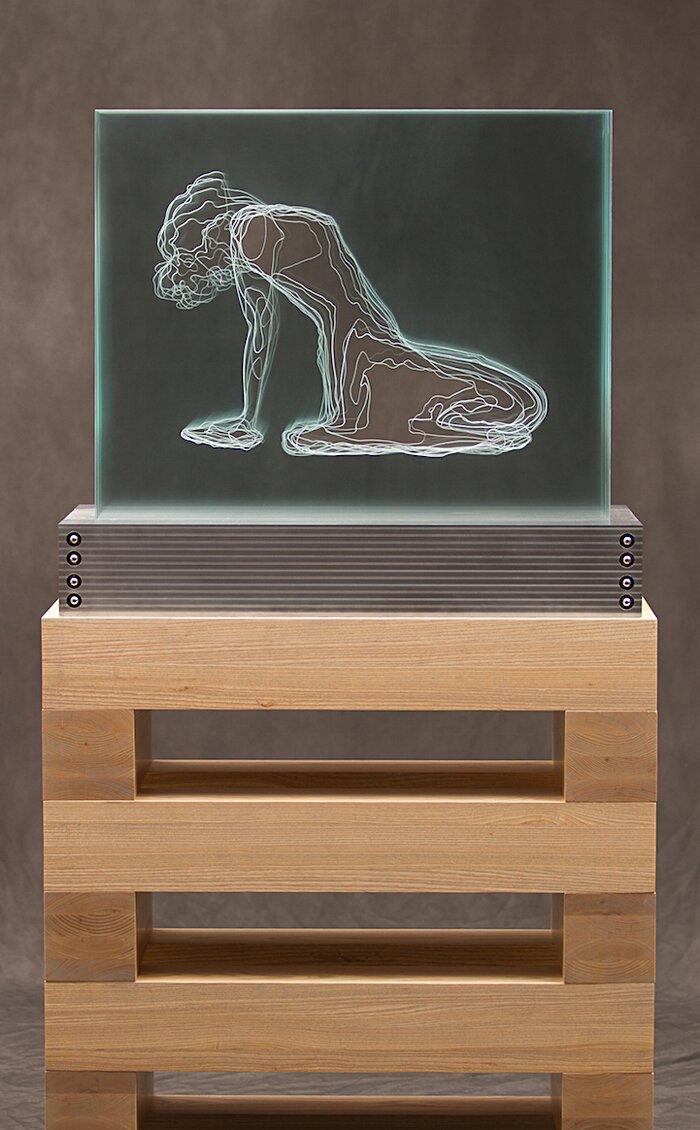 sculture-vetro-intagliato-rivelano-figure-umane-jed-malitz-06