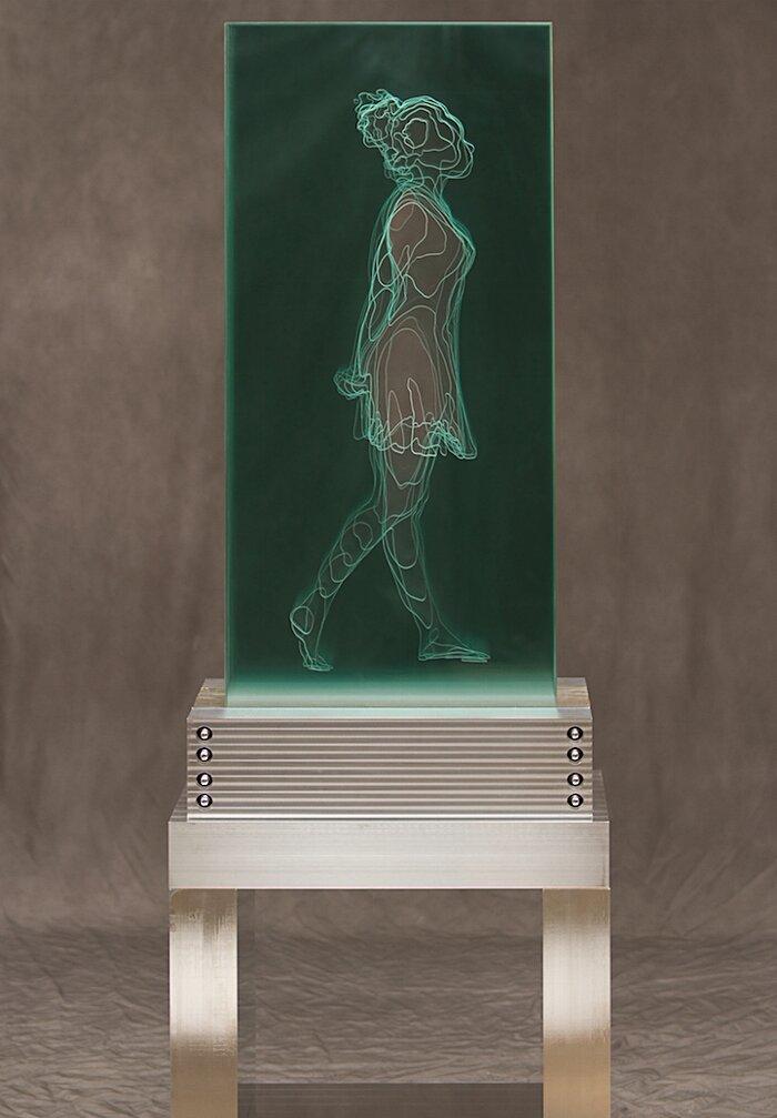 sculture-vetro-intagliato-rivelano-figure-umane-jed-malitz-08