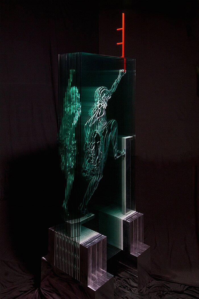 sculture-vetro-intagliato-rivelano-figure-umane-jed-malitz-10