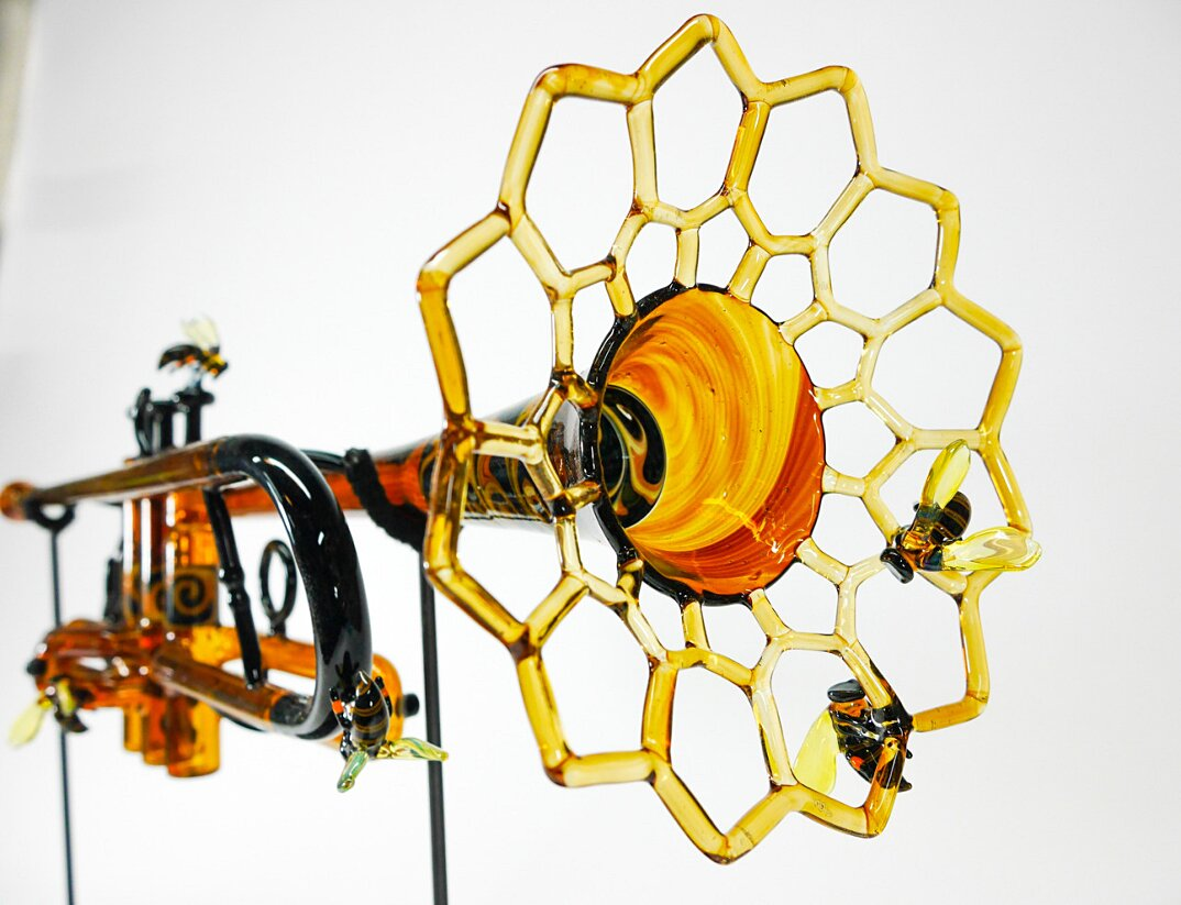 sculture-vetro-soffiato-trombe-natura-symphony-of-the-seasons-etai-rahmil-05