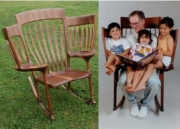 Pap costruisce una sedia a dondolo a tre posti in modo da poter leggere insieme ai suoi 3 - Sedia dondolo bambini ...