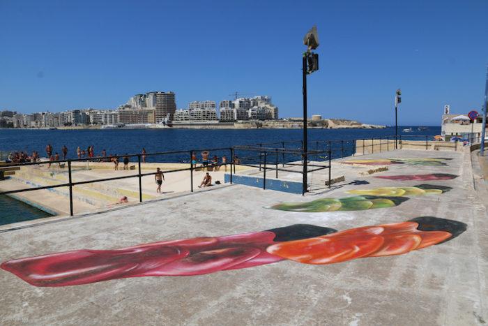 street-art-dipinti-anamorfici-orsetti-caramelle-leon-keer-4
