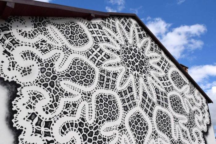 street-art-murales-eleganti-pizzo-uncinetto-nespoon-2