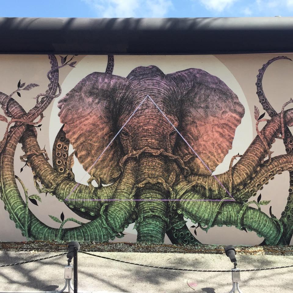 street-art-murali-dipinti-animali-ibridi-surreali-alexis-diax-4