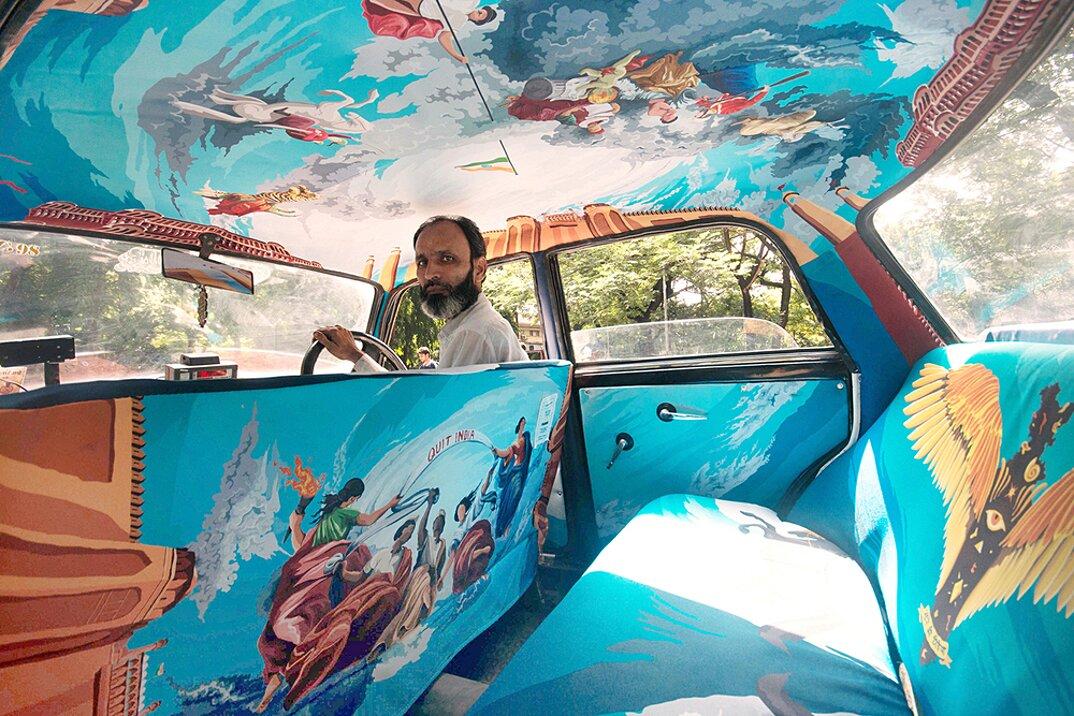 taxi-mumbai-tappezzeria-interni-colorati-disegni-artistici-taxi-fabric-01