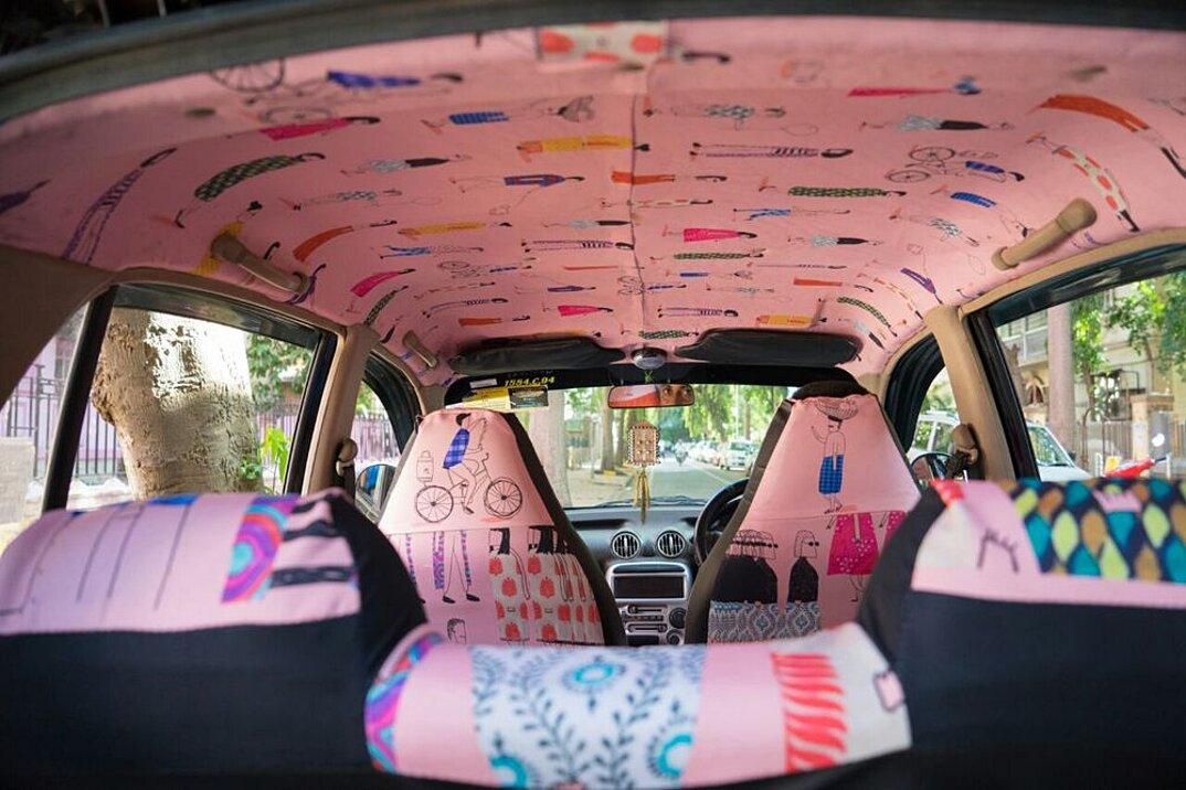 taxi-mumbai-tappezzeria-interni-colorati-disegni-artistici-taxi-fabric-14