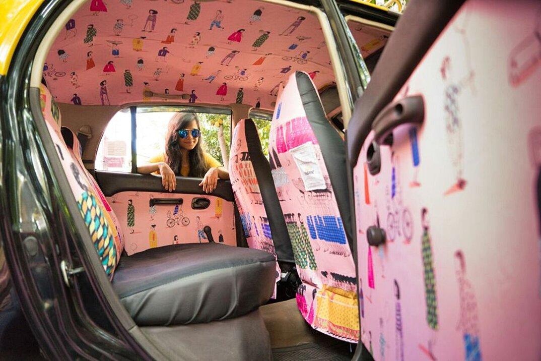 taxi-mumbai-tappezzeria-interni-colorati-disegni-artistici-taxi-fabric-15