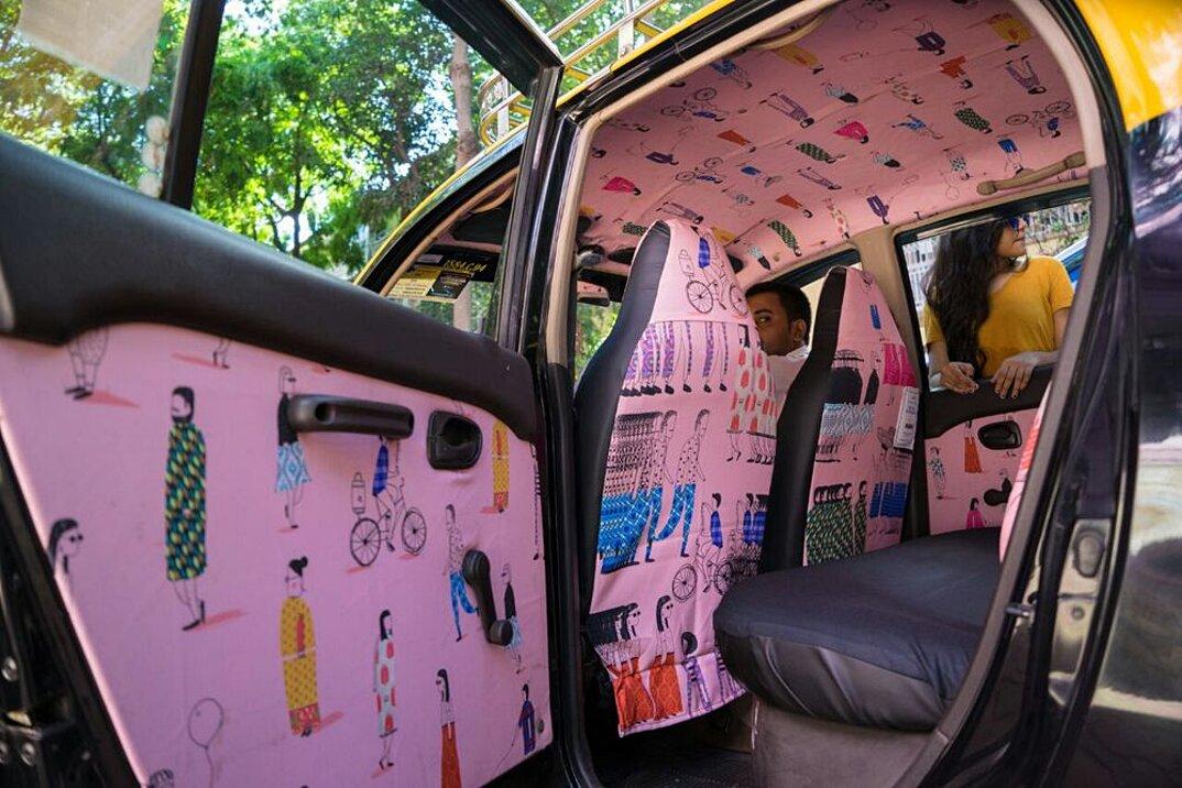 taxi-mumbai-tappezzeria-interni-colorati-disegni-artistici-taxi-fabric-16