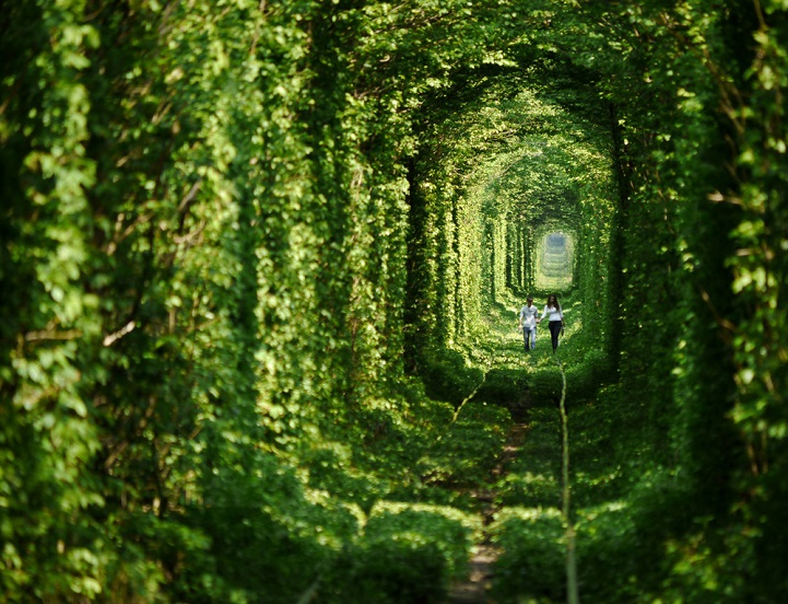 tunnel-dell-amore-klevan-ucraina-kiev-fotografia-5