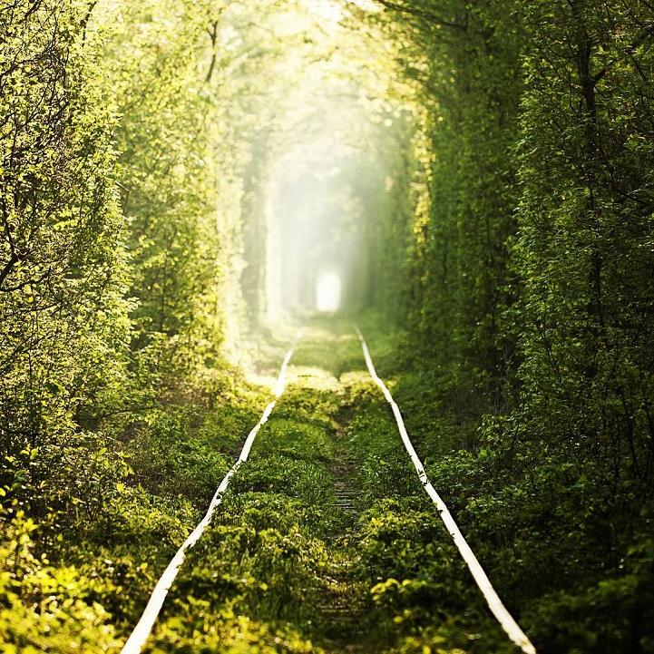 tunnel-dell-amore-klevan-ucraina-kiev-fotografia-7