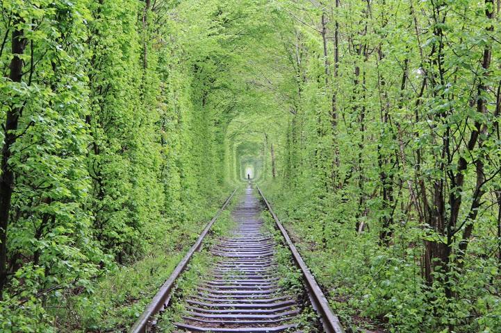 tunnel-dell-amore-klevan-ucraina-kiev-fotografia-8