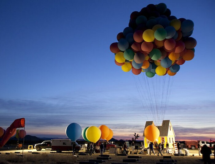 vera-casa-palloncini-up-volo-cartone-disney-national-geographic-02