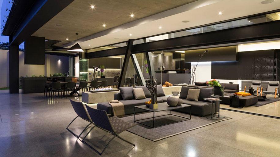 Architettura moderna interni collegati esterno giardino for Interni casa moderna