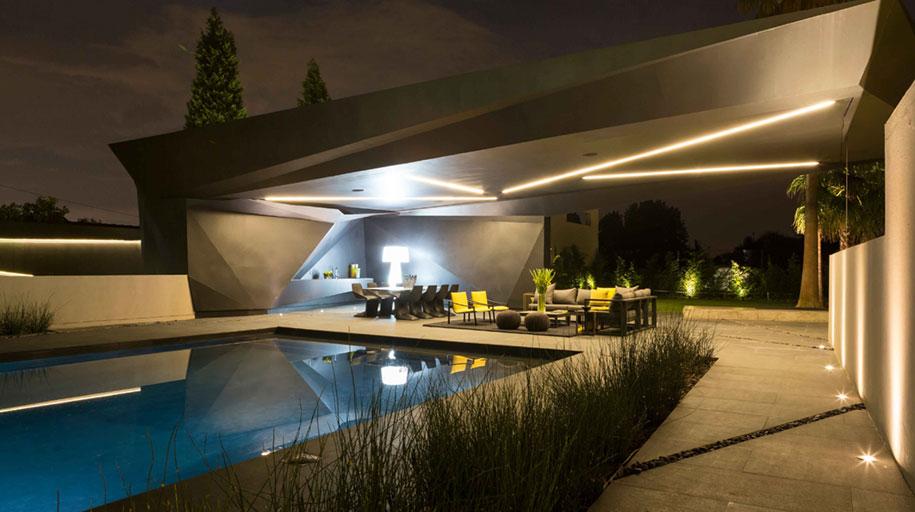architettura-moderna-interni-collegati-esterno-giardino-kloof-road-10