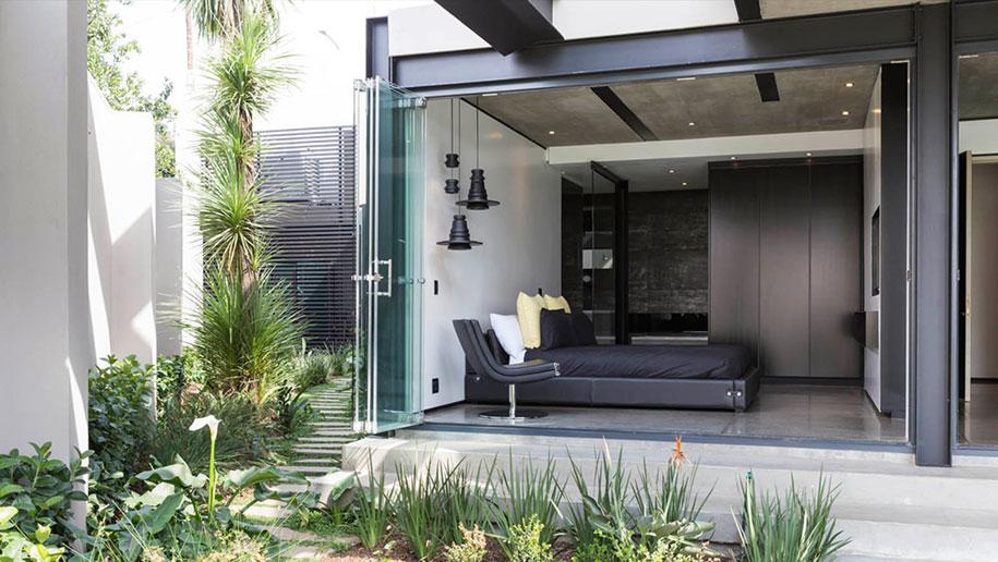 Très Ogni stanza di questa casa moderna si apre all'esterno - KEBLOG KZ26